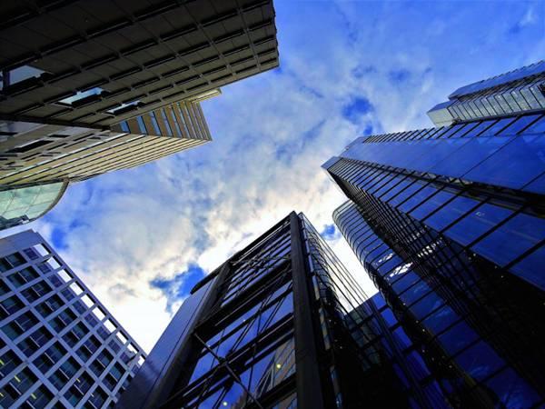 高耸的大厦图片_WWW.66152.COM