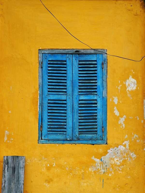 窗户的特写图片_WWW.66152.COM