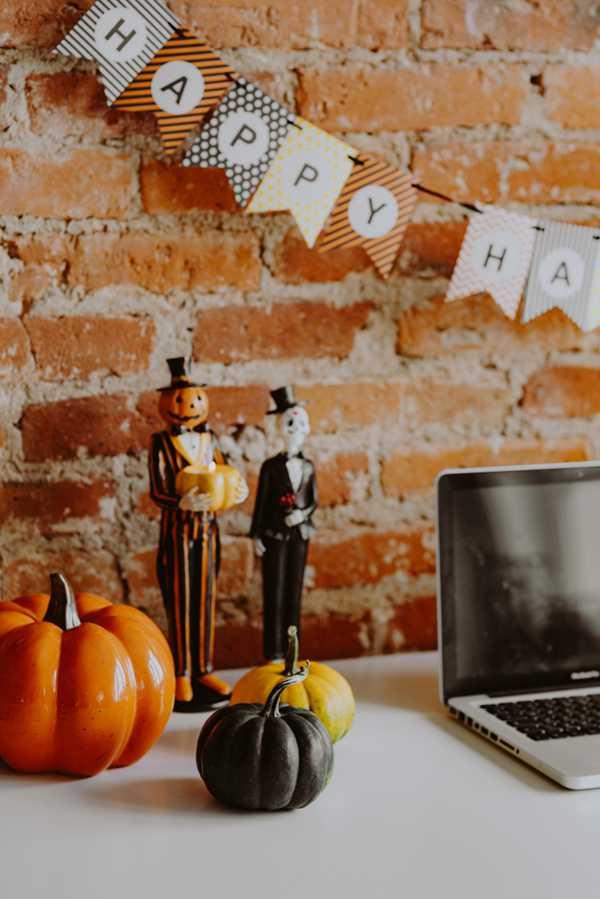 万圣节风格的的办公室图片_WWW.66152.COM