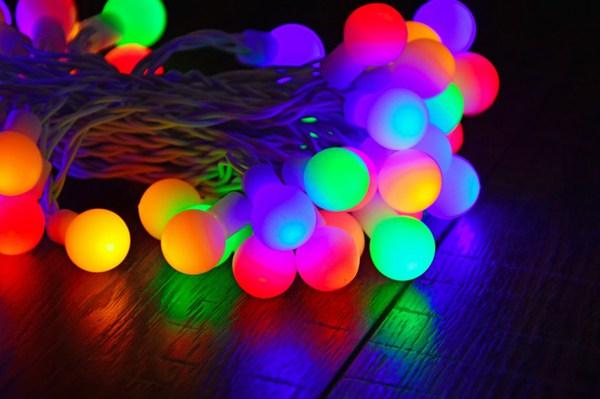 彩色串灯图片_WWW.66152.COM