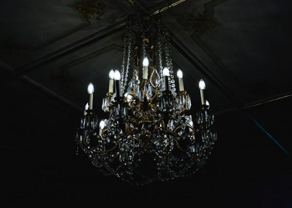精美的吊灯图片_WWW.66152.COM