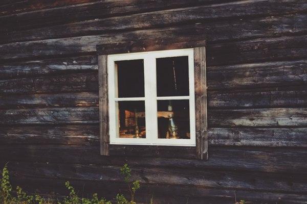特色的窗户图片_WWW.66152.COM
