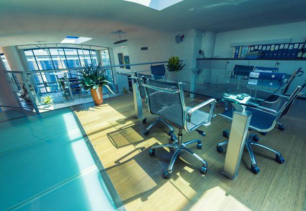 办公室设计风格效果图片_WWW.66152.COM