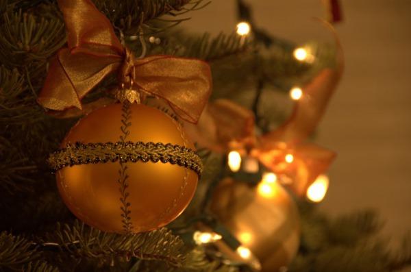 圣诞主题彩色装饰球图片_WWW.66152.COM