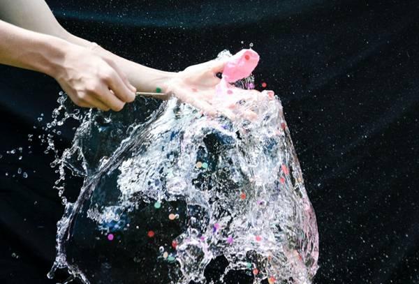 飞溅的水花创意素材图片_WWW.66152.COM