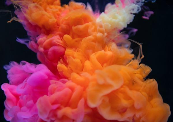 色彩缤纷的烟雾图片_WWW.66152.COM