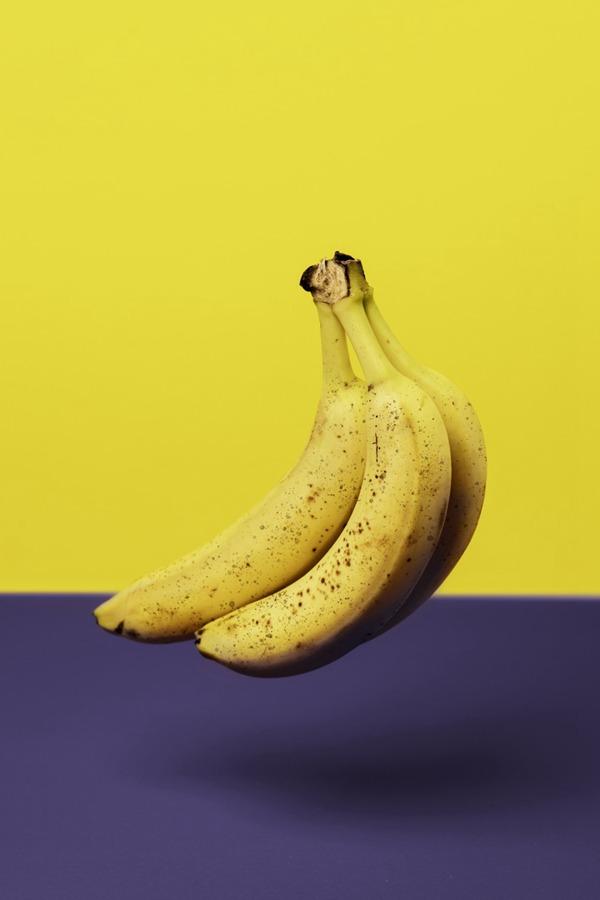 香蕉创意摄影图片_WWW.66152.COM