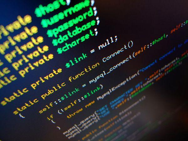 屏幕上显示的代码图片_WWW.66152.COM
