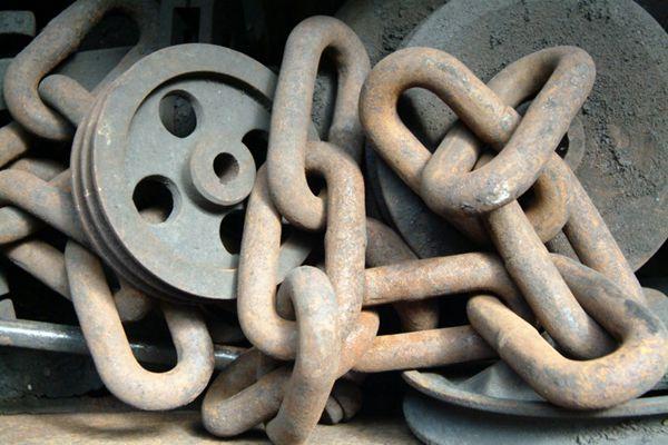 坚固的铁链图片_WWW.66152.COM