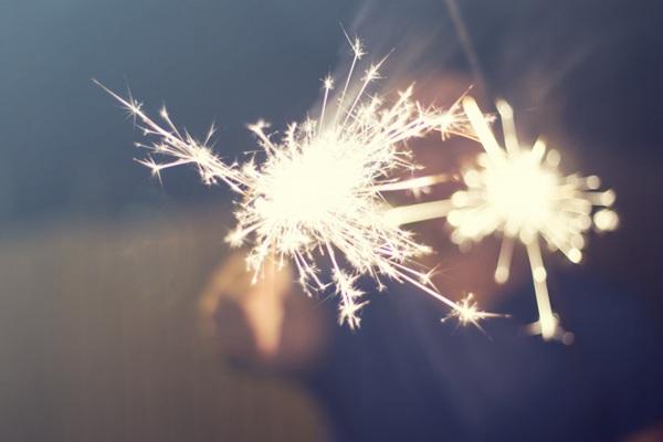 唯美闪耀的星光棒图片_WWW.66152.COM