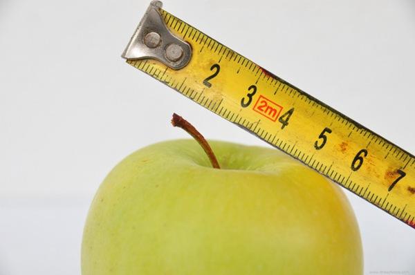 测量苹果创意图片_WWW.66152.COM
