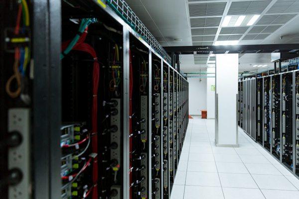 网络通讯电信机房图片_WWW.66152.COM