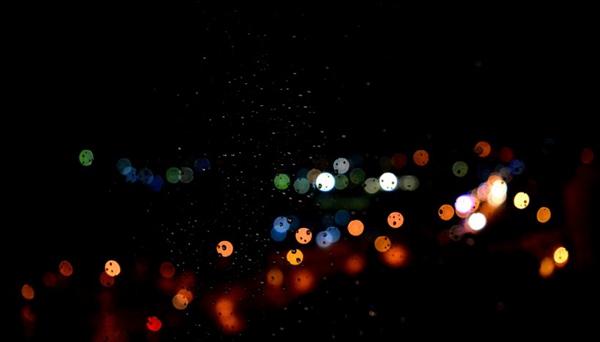 模糊的光点图片_WWW.66152.COM