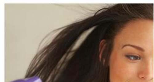 怎么把头发吹蓬松_WWW.66152.COM
