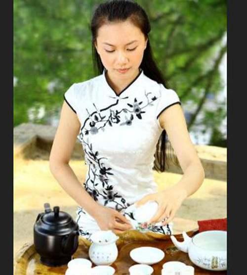 茶服适合什么发型_WWW.66152.COM