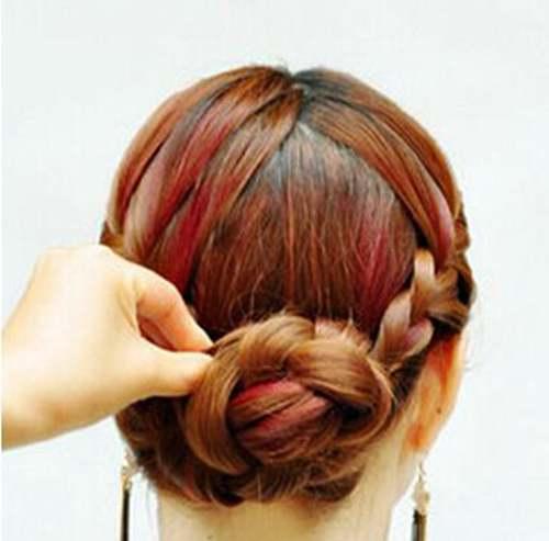 四十岁女人气质发型如何扎_WWW.66152.COM