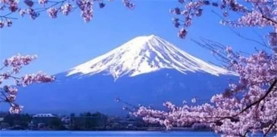 富士山下歌词什么意思 富士山下歌词含义故事_WWW.66152.COM