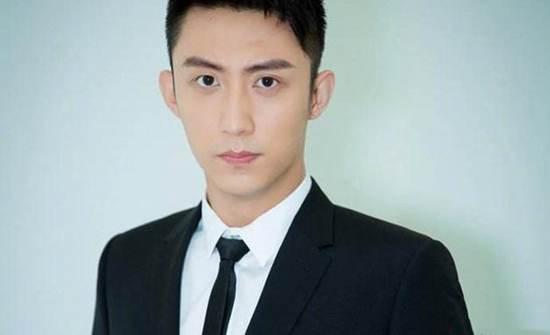 黄景瑜回应家暴 离婚是怎么回事?_WWW.66152.COM