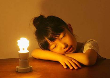 开灯睡觉对人有什么危害吗_WWW.66152.COM