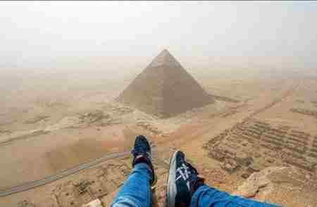 爬上金字塔的人都会死?_WWW.66152.COM
