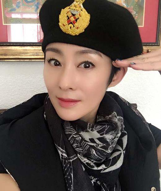 张敏首度承认与小男友恋情_WWW.66152.COM