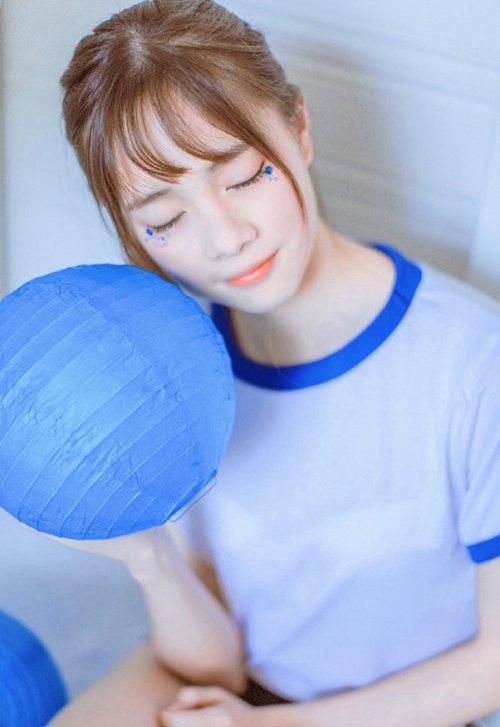 美女打桌球图片_WWW.66152.COM