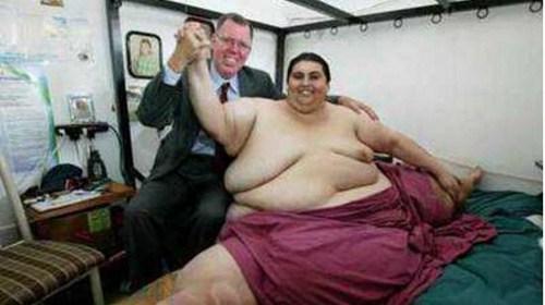世界上最胖的孩子有多重_WWW.66152.COM