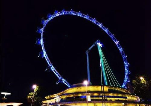 新加坡飞行者摩天轮有多高_WWW.66152.COM