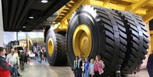 世界上最大的轮胎有多大_WWW.66152.COM