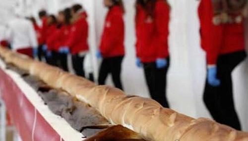 世界上最大的面包有多长_WWW.66152.COM