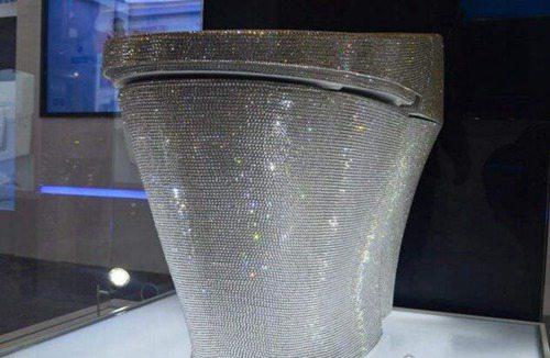 世界上最贵的马桶_WWW.66152.COM