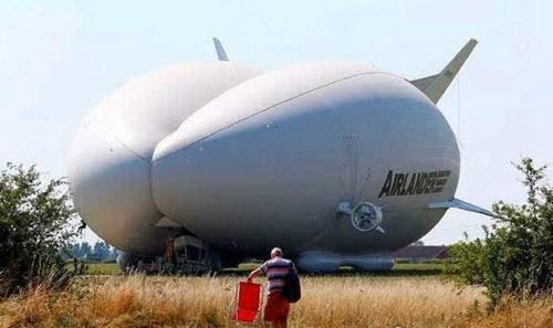 世界上最大的航空飞行器_WWW.66152.COM