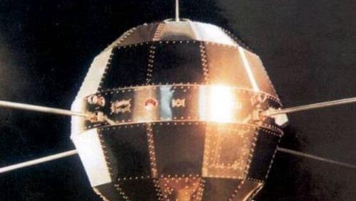 世界上第一颗人造卫星_WWW.66152.COM