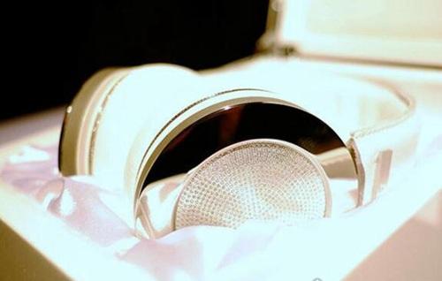世界上最贵的耳机_WWW.66152.COM