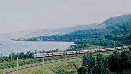 世界上最长的铁路_WWW.66152.COM