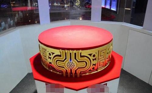 世界上最大的金戒指_WWW.66152.COM