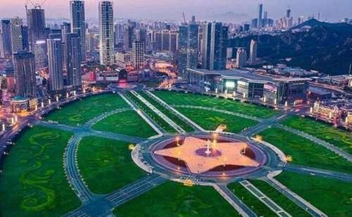 世界上最大的广场_WWW.66152.COM