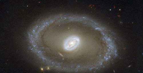 超级黑洞之谜_WWW.66152.COM