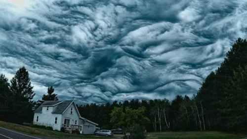五大最恐怖的云形态图片_WWW.66152.COM