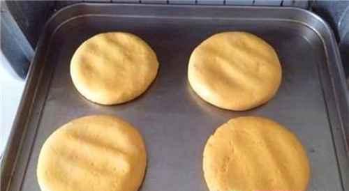宝宝辅食:南瓜饼的做法_WWW.66152.COM
