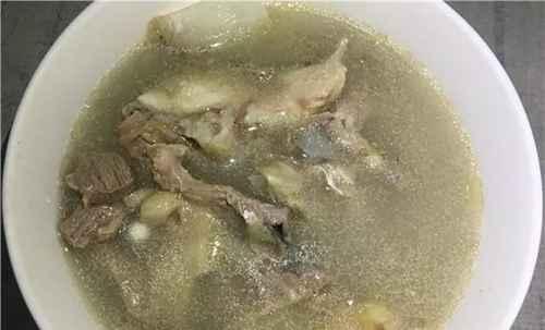 鱼头瘦肉汤的美味做法_WWW.66152.COM