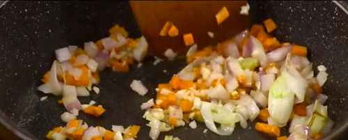 香蒜虾焖饭的做法_WWW.66152.COM