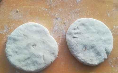 玫瑰糖馅烧饼的做法_WWW.66152.COM
