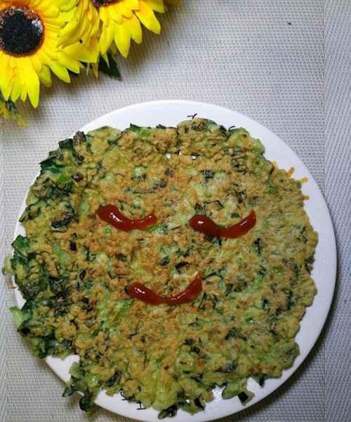 怎样做美味的青菜鸡蛋饼?_WWW.66152.COM