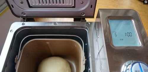面包机做面包详细步骤,图文演示及方法_WWW.66152.COM