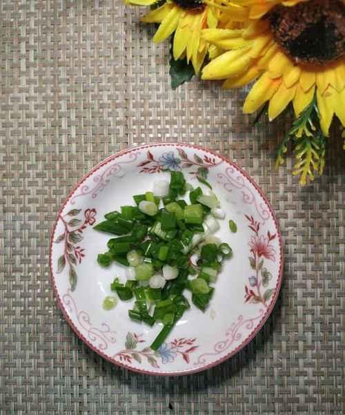 怎样做美味的冬瓜皮蛋汤?_WWW.66152.COM