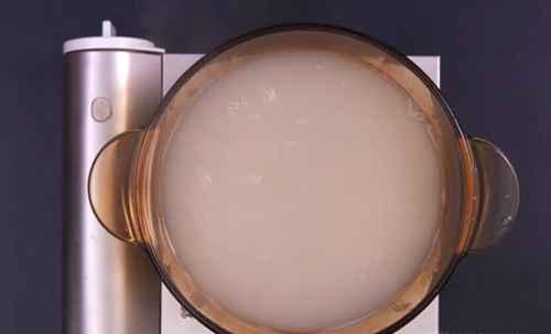 如何制作竹蔗薏米水?_WWW.66152.COM
