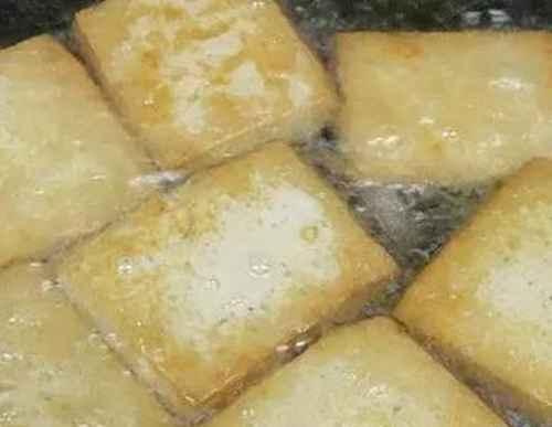 家常豆腐的简单做法_WWW.66152.COM
