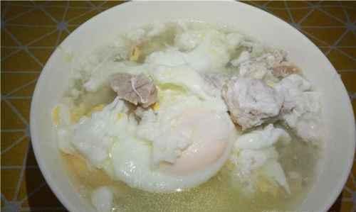 瘦肉鸡蛋汤的家常做法_WWW.66152.COM