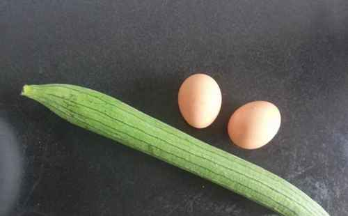 丝瓜炒鸡蛋的做法_WWW.66152.COM